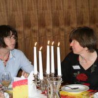 autehTisch - Frauenmahl in der EKM