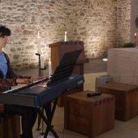 Dr. Regina Lorek führt musikalisch durch den Abend